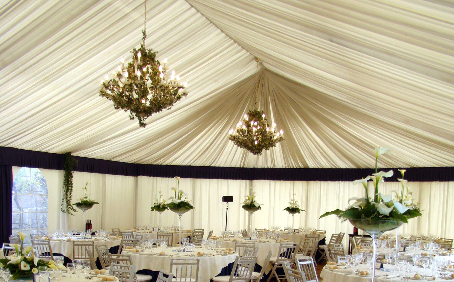 6 Luxury Touches For Tented Weddings Lakes Region Tent