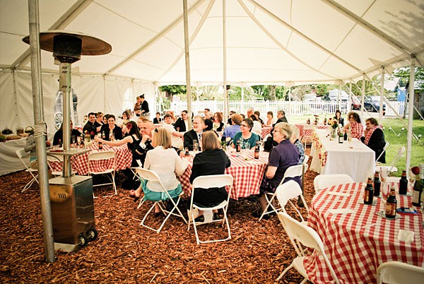 Outdoor Fall Weddings How To Keep Guests Warm Lakes